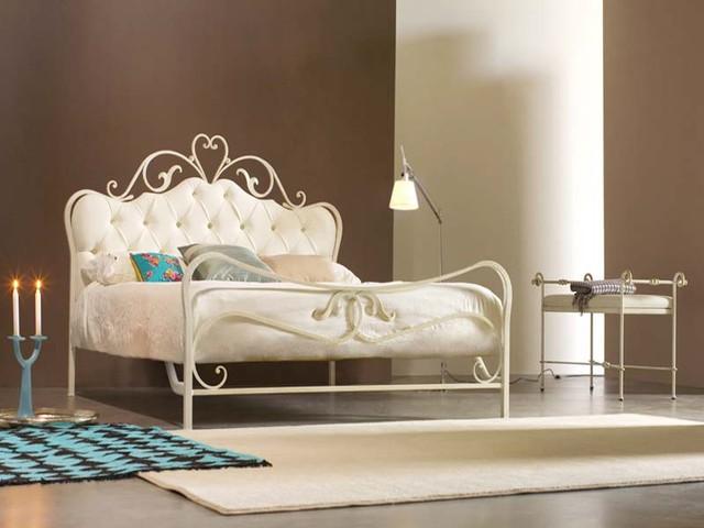 Che cos 39 il letto alla francese - Divano letto in ferro battuto ikea ...