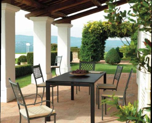 Arredamento giardino ed esterni for Arredamento esterni design